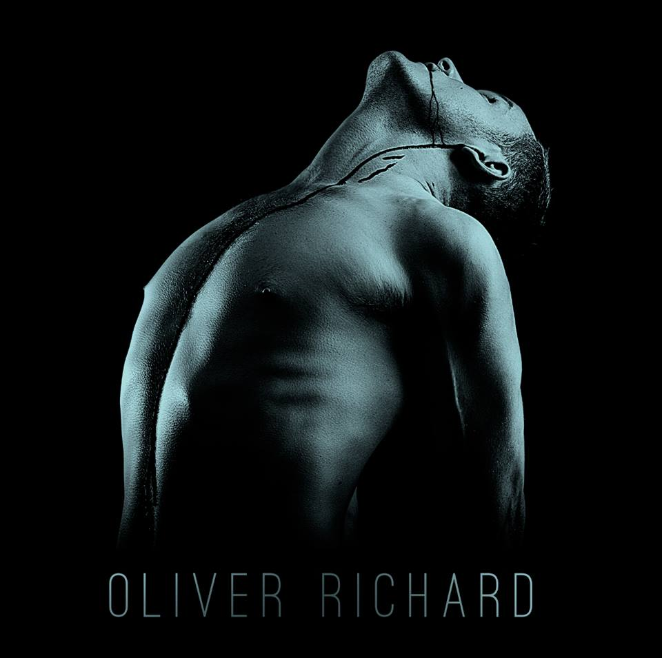 Oliver Richard Alternative White Finger Cover