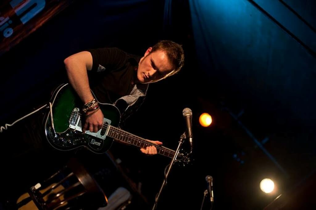 Oliver Richard Live Blue Lamp, Aberdeen